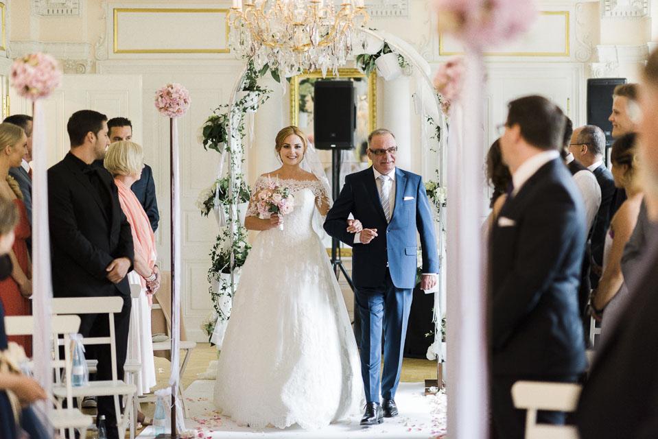 View More: http://weddingpilots.pass.us/janina-meiko